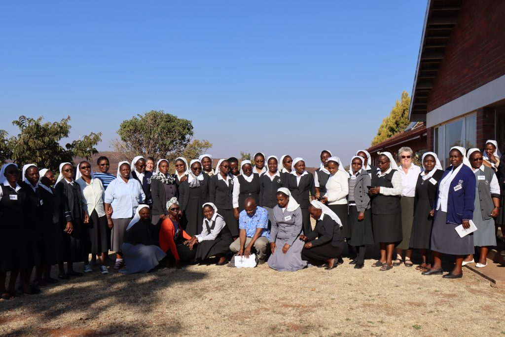 Group photo of the sisters at the province congregation in Simbabwe
