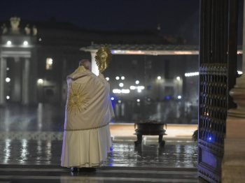 """Extraordinary moment of prayer and """"Urbi et Orbi"""" Blessing presided over by Pope Francis"""