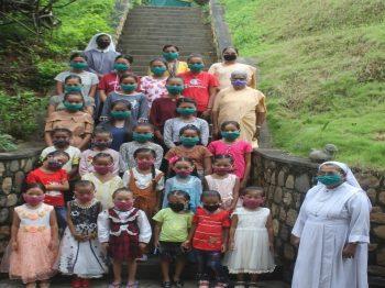 Una mano amiga durante la Pandemia 2020: Convento de Santa María, Gorkha, Región de Nepal.